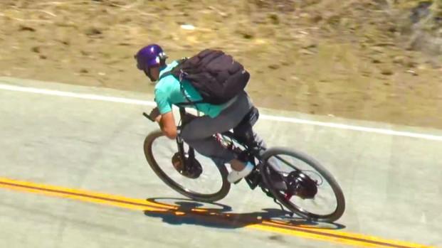In bici a 80 km/h senza pedalare