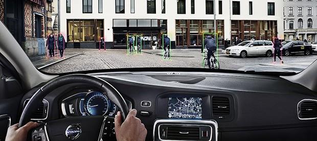 """Volvo e il suo nuovo sistema """"salva ciclisti"""""""