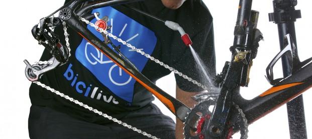 Come pulire la trasmissione della bici in 10 minuti