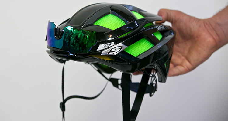 Smith Optics: casco Overtake e occhiali Pivlock Arena
